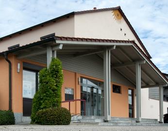 VR-Bank Landau-Mengkofen eG, VR-Bank Landau-Mengkofen eG - Geschäftsstelle Kronwieden, Raiffeisenweg 1, 84180, Loiching